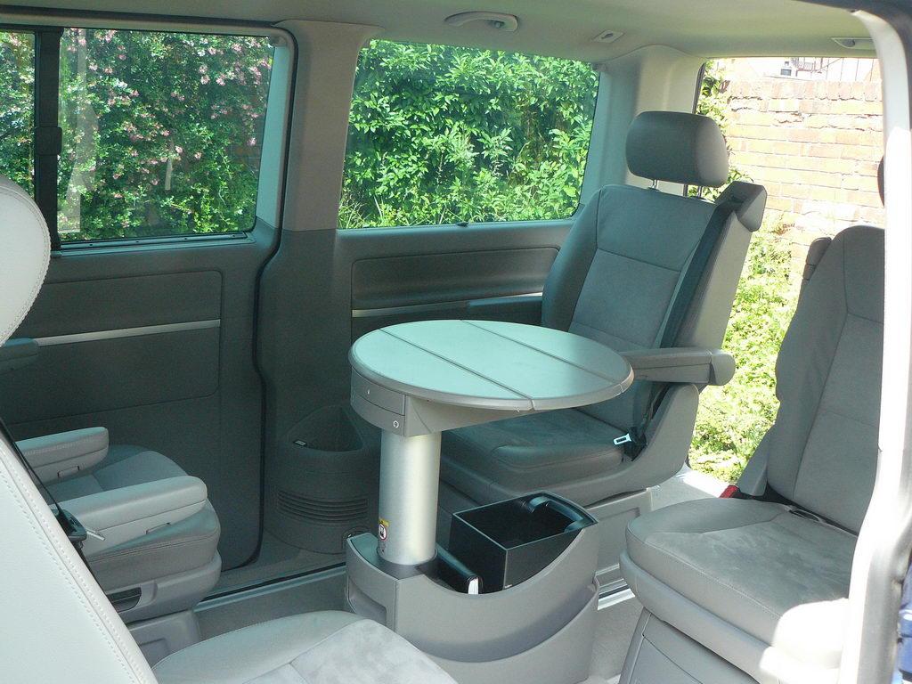 FOR SALE : Volkswagen Caravelle Executive 180 DSG